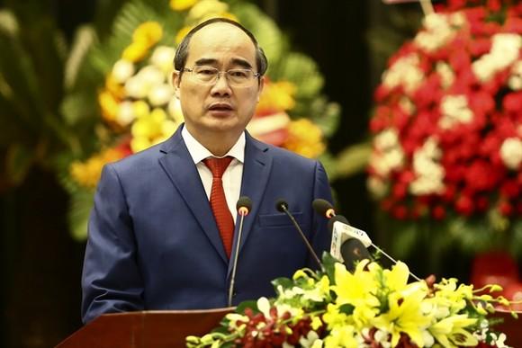 黨中央政治局委員、市委書記阮善仁。