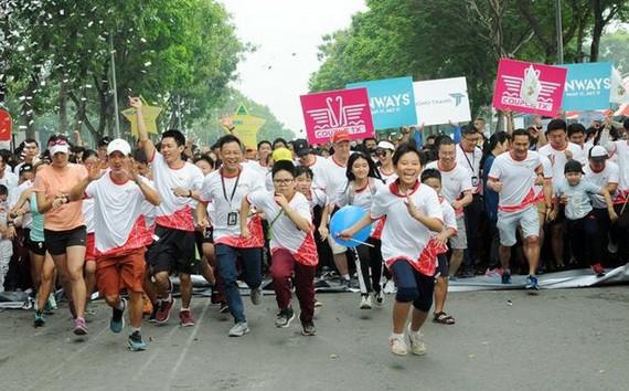 """""""為心臟而跑步""""活動吸引了眾多各界人士參加。(圖源:孟玲)"""