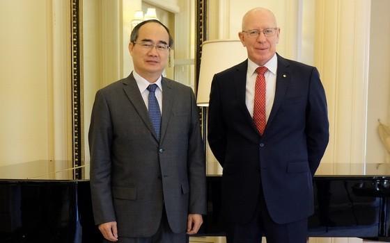 市委書記阮善仁(左)會見澳洲總督大衛‧赫爾利。
