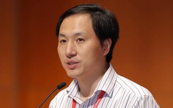 "中國""基因編輯嬰兒""案賀建奎被判刑3年及罰款。(圖源:Getty Images)"