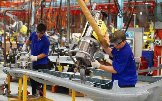 世界銀行:今年前兩個月,越南的出口增幅達8%,外國直接投資(FDI)注入資金達25億美元,零售業增幅5.4%。(示意圖源:VOV)