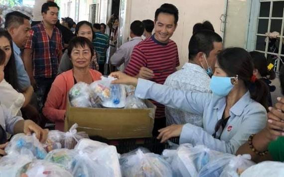 慈善團於日前到市第二兒童醫院展開慈善工作。