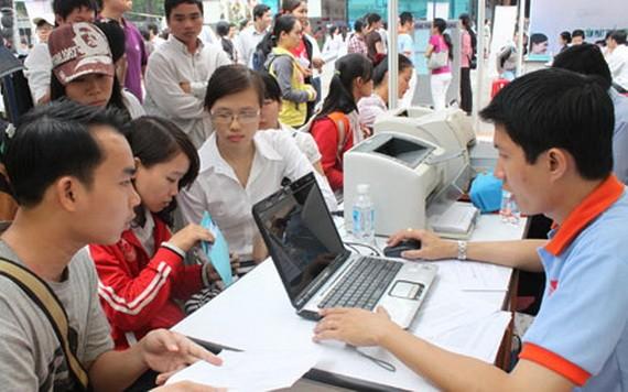 青年勞動者參加應徵活動。
