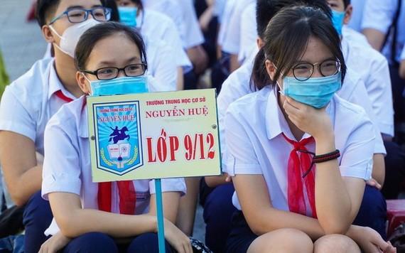 學生返校快樂復課。(圖源:PLO)