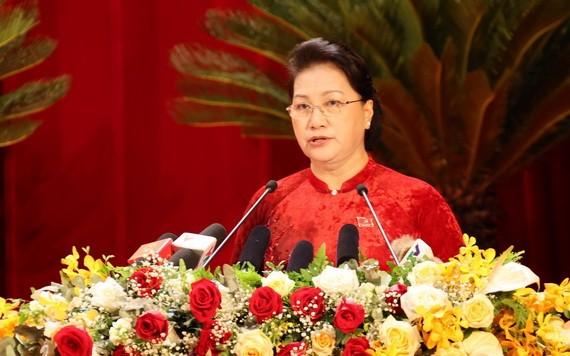 黨中央政治局委員、國會主席阮氏金銀。(圖源:越通社)