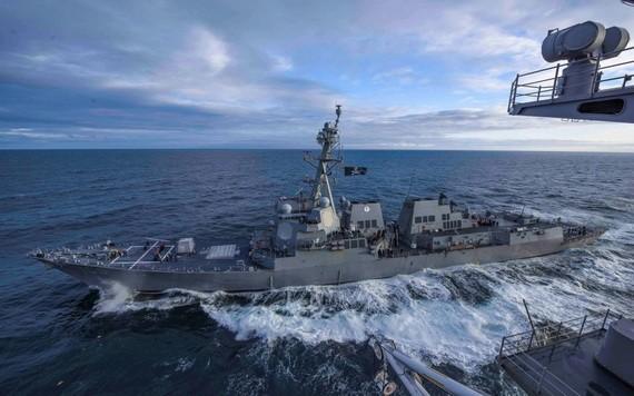 美國國會眾議院當地時間8日晚表決通過總計7410億美元的國防預算法案。圖為美國海軍的一艘戰艦。(圖源:路透社)