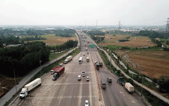 胡志明市-忠良高速公路是 南面區域已投入運作的 兩條高速公路之一。