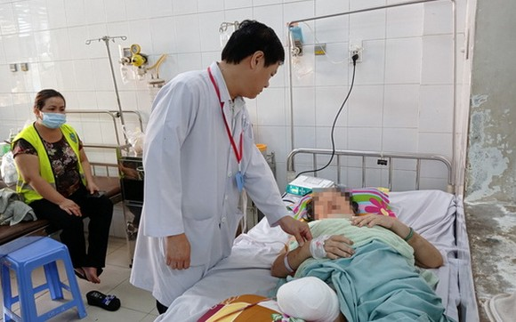 患者 N.T.L 接受截肢手術後闖過了險關,當前生命體徵基本平穩。(圖源:H.M)