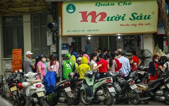 寒食節河內市民排隊買湯圓
