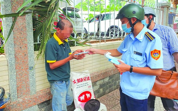 公共場所不戴口罩 多人被處罰