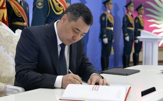 吉爾吉斯斯坦總統扎帕羅夫。(圖源:卡巴爾通訊社)