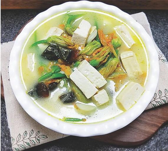 豆腐南瓜花湯