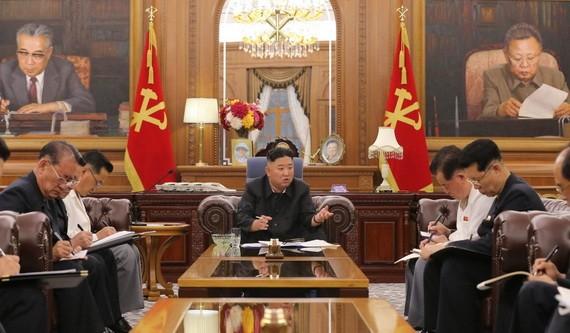 金正恩召開黨幹部會議探討國計民生。(圖源:視頻截圖)