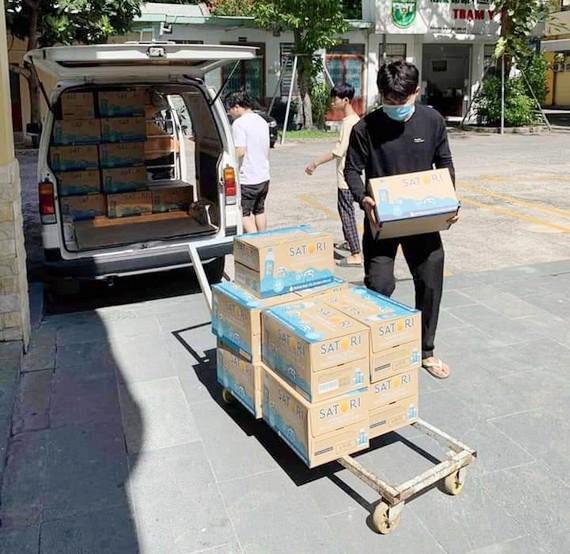 平西市場商販協助隔離區居民