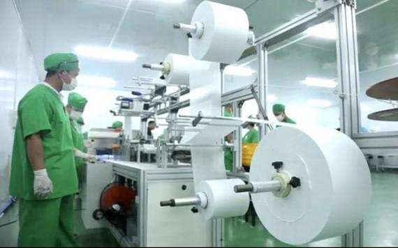 越南醫療公司生產口罩車間一瞥。