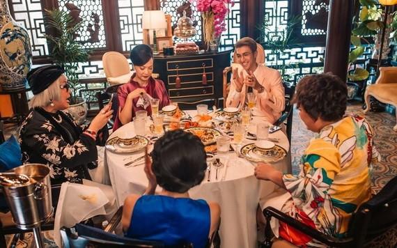 《剩女伎倆多3》中的宴席非常奢華。