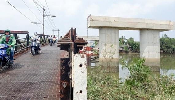 隆景橋動工了20年仍未竣工,芽皮縣民眾每天都在翹首以待。