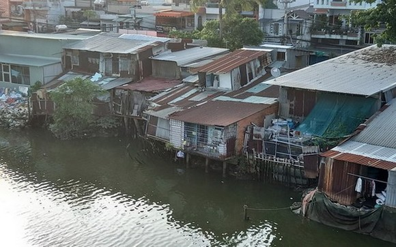 第八郡雙涌還有很多簡陋住房。