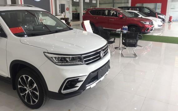圖為本市一間陳列室展示的一款中國汽車。(圖源:阮海)