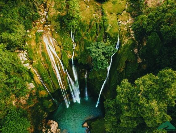 美麗的仙女瀑布。