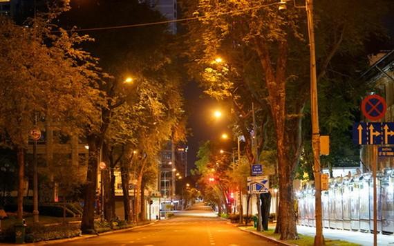 8月22日晚間,本市街上清冷無人。(圖源:光廉)