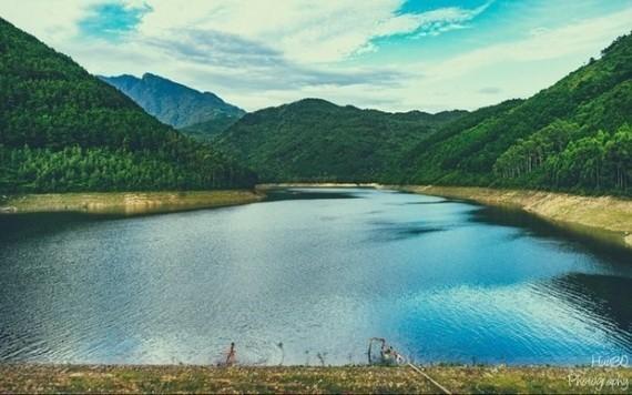 圖為永福省的著名旅遊景點麝香湖。(圖源:永福報)