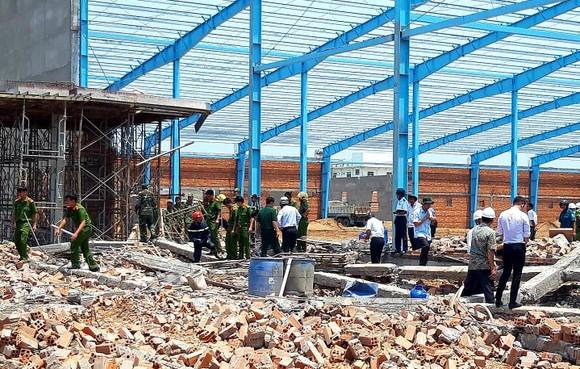 Sập công trình xây dựng, 5 công nhân chết tại chỗ ảnh 1