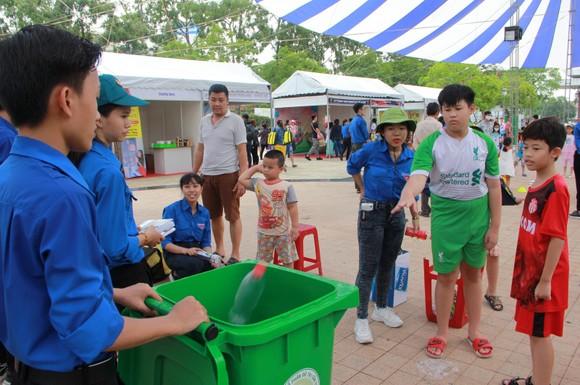 Ngày hội Thiếu nhi tham gia bảo vệ môi trường ảnh 3