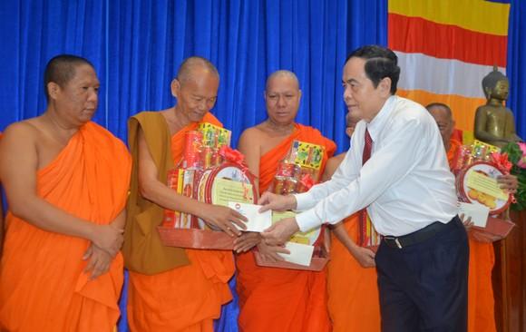 Đồng chí Trần Thanh Mẫn thăm, chúc Tết cổ truyền Chôl Chnăm Thmây ảnh 1