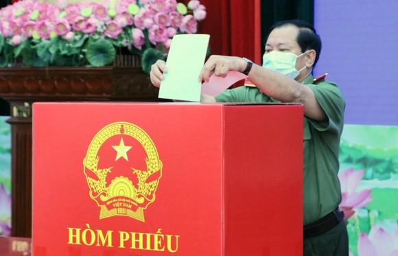 Cần Thơ tổ chức bầu cử sớm cho gần 5.000 cử tri ảnh 4