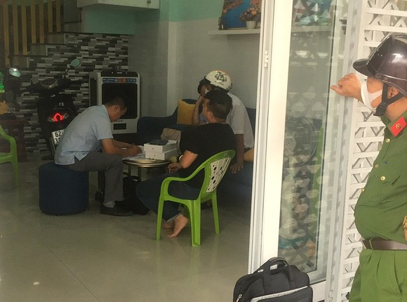 Cơ quan điều tra khám xét nơi ở của bị can Trương Châu Hữu Danh tại Long An