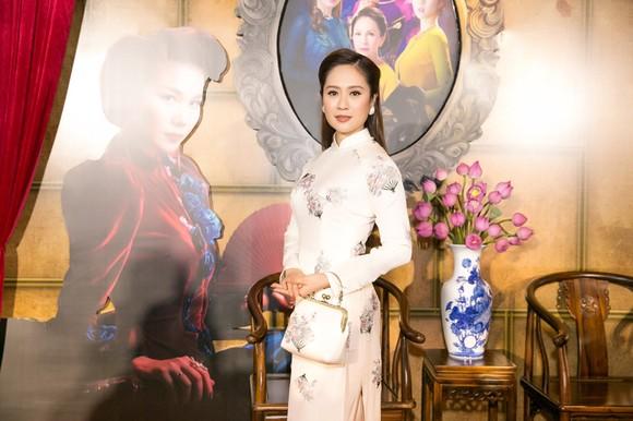 Sao Việt nô nức khoe váy áo ra mắt phim Mẹ chồng  ảnh 12