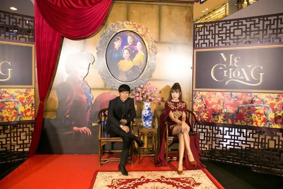 Sao Việt nô nức khoe váy áo ra mắt phim Mẹ chồng  ảnh 14