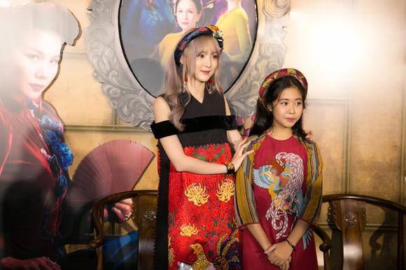 Sao Việt nô nức khoe váy áo ra mắt phim Mẹ chồng  ảnh 15