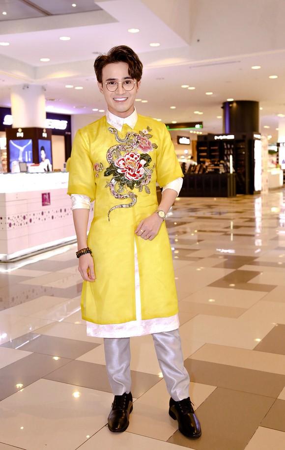Sao Việt nô nức khoe váy áo ra mắt phim Mẹ chồng  ảnh 16