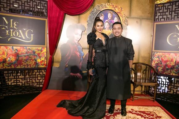 Sao Việt nô nức khoe váy áo ra mắt phim Mẹ chồng  ảnh 2