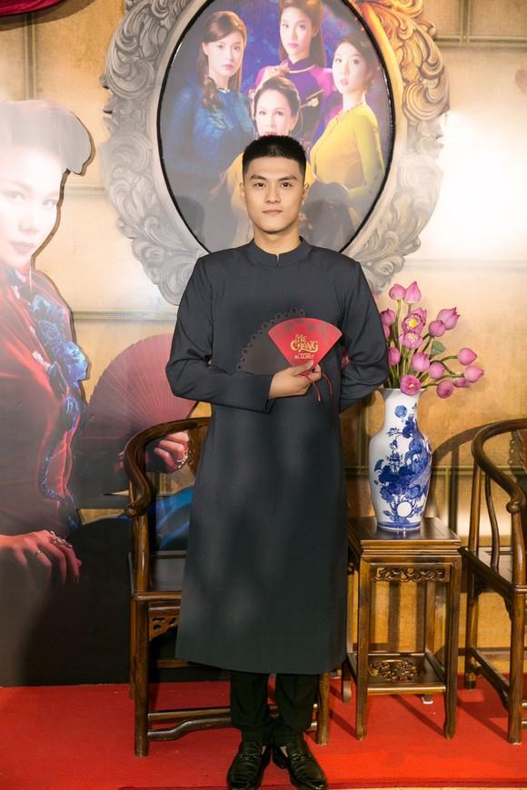 Sao Việt nô nức khoe váy áo ra mắt phim Mẹ chồng  ảnh 7