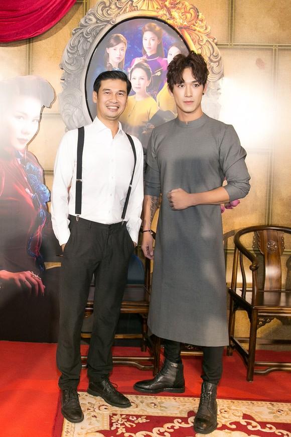Sao Việt nô nức khoe váy áo ra mắt phim Mẹ chồng  ảnh 8