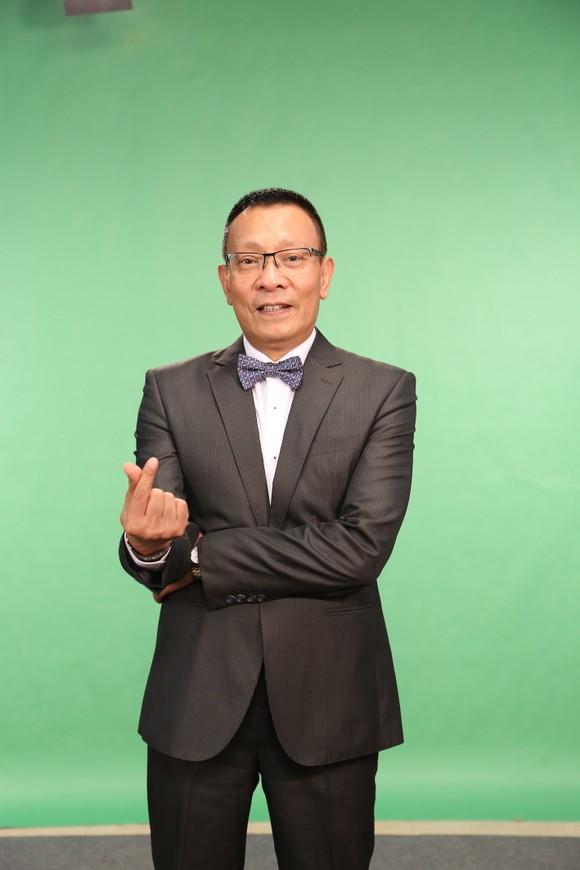 Lại Văn Sâm làm MC gameshow đầu tiên trên điện thoại ảnh 1