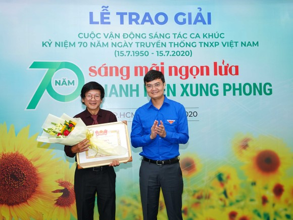 8 tác phẩm đoạt giải Cuộc vận động sáng tác ca khúc kỷ niệm 70 năm ngày truyền thống lực lượng TNXP Việt Nam ảnh 2