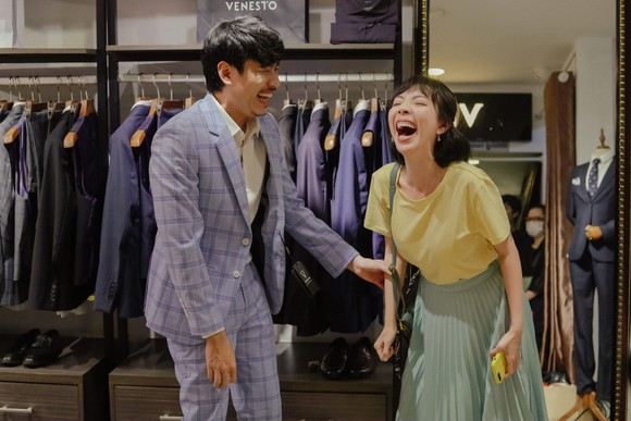Tiệc trăng máu chưa hạ nhiệt, Thu Trang - Kiều Minh Tuấn tái ngộ phim mới ảnh 1