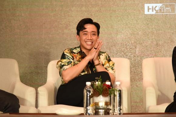 Trấn Thành tiết lộ những hình ảnh đầu tiên phim Tết 'Bố già' ảnh 4