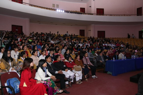 """Gần 150 học sinh tham gia Hội thi thuyết trình """"Em yêu biển đảo quê hương""""  ảnh 3"""