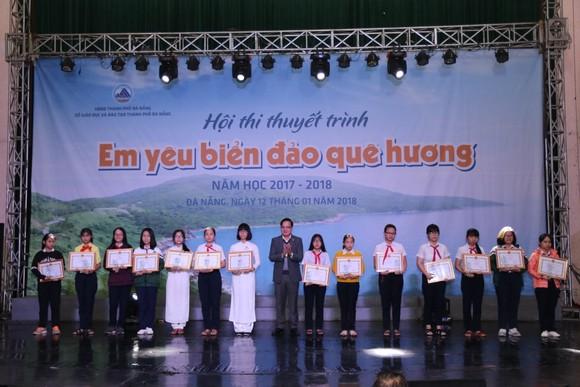 """Gần 150 học sinh tham gia Hội thi thuyết trình """"Em yêu biển đảo quê hương""""  ảnh 4"""