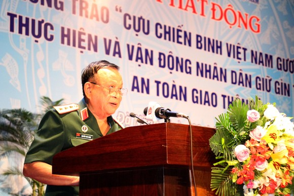 Phát động phong trào CCB Việt Nam gương mẫu thực hiện và vận động nhân dân giữ gìn trật tự ATGT ảnh 1