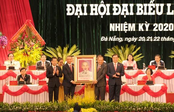 Phấn đấu xây dựng Đà Nẵng trở thành trung tâm KT-XH lớn, là đô thị sinh thái, hiện đại, thông minh và đáng sống ảnh 4
