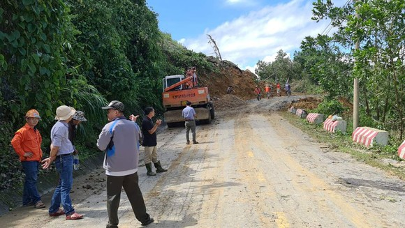 Thảm họa sạt lở vùi lấp người ở Trà Leng, Trà Vân: Tìm được 14 thi thể, 14 người chưa tìm được ảnh 27