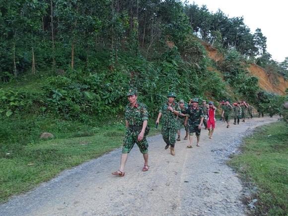 Thảm họa sạt lở vùi lấp người ở Trà Leng, Trà Vân: Tìm được 14 thi thể, 14 người chưa tìm được ảnh 4