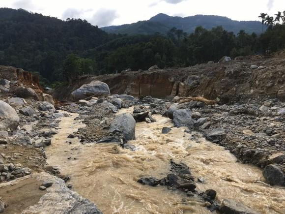 Thảm họa sạt lở vùi lấp người ở Trà Leng, Trà Vân: Tìm được 14 thi thể, 14 người chưa tìm được ảnh 7