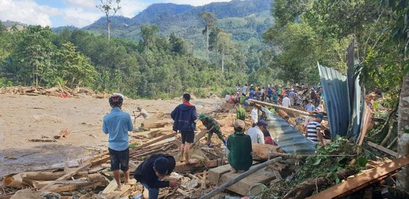 Thảm họa sạt lở vùi lấp người ở Trà Leng, Trà Vân: Tìm được 14 thi thể, 14 người chưa tìm được ảnh 11